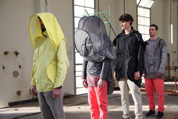 Дизайнер Камилла Кунц:  Мужская одежда, силикон  и мраморный принт. Изображение № 10.