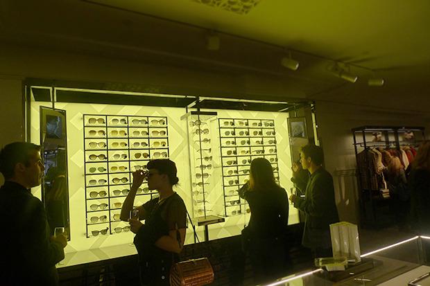 Дневник стилиста: Тесс Йопп о 3D-граффити, резиновых платьях и надувном динозавре. Изображение № 25.