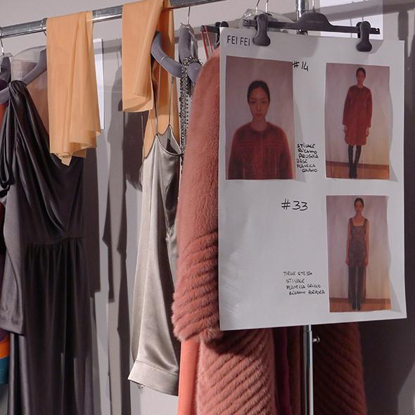 Milan Fashion Week: бэкстейдж Alberta Ferretti. Изображение № 35.