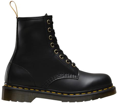 Культовая обувь на холодный сезон: 9 пар от простых до роскошных. Изображение № 3.