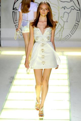 Milan Fashion Week: показ Versace SS 2012. Изображение № 10.