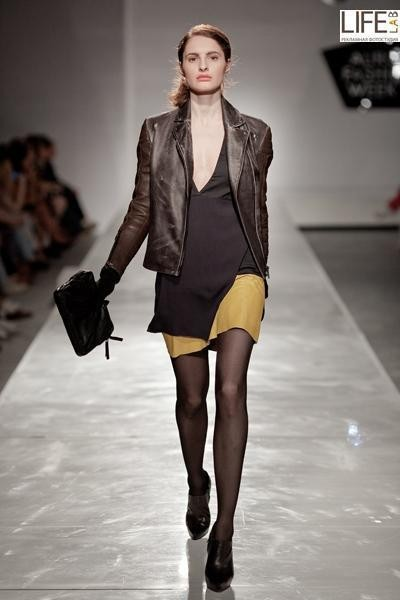 Aurora Fashion Week 2011: итальянский десант. Изображение № 10.