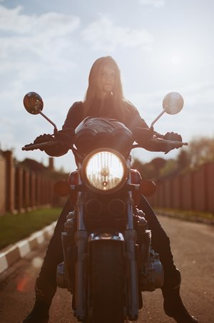 Я и друг мой мотоцикл: Девушки о мотоспорте  и своих байках. Изображение № 21.