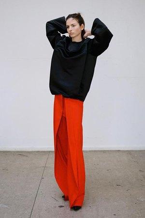 Thomas Tait:  Объемная одежда архитектурных форм. Изображение № 6.