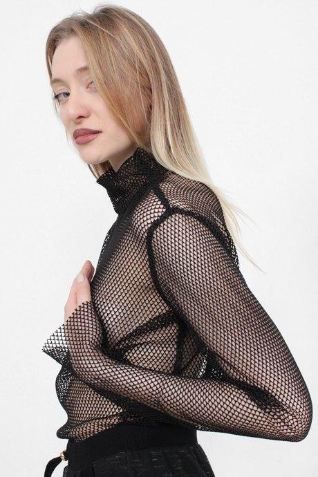 Телеведущая и модель Маша Миногарова о любимых нарядах. Изображение № 18.