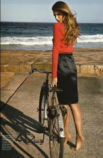 Ах, лето: Фэшн-съемки с велосипедами. Изображение № 5.