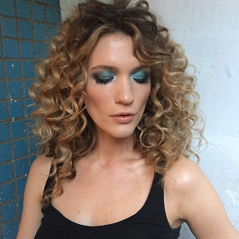 Верь в себя: Девушки  о любимых макияжах  для поднятия духа. Изображение № 6.