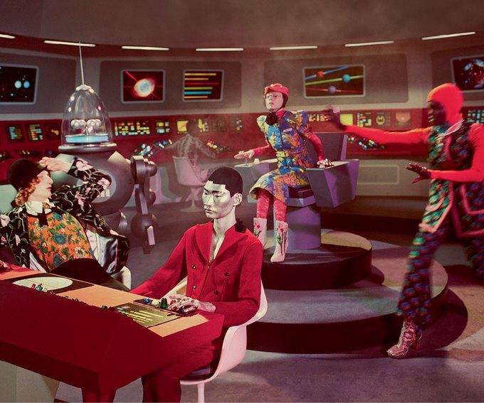 В новой кампании Gucci снялись пришельцы  и динозавры. Изображение № 23.