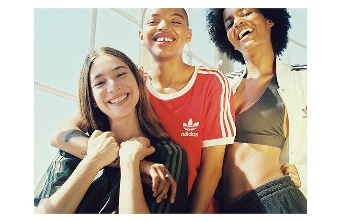 Петра Коллинз сняла рекламную кампанию adidas Originals x Urban Outfitters. Изображение № 12.