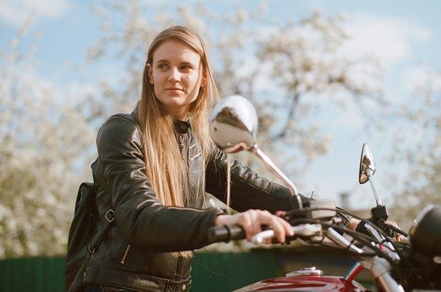 Я и друг мой мотоцикл: Девушки о мотоспорте  и своих байках. Изображение № 20.