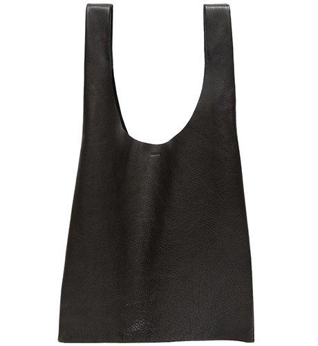 Ношу с собой: 10 сумок-шоперов от простых до роскошных. Изображение № 3.