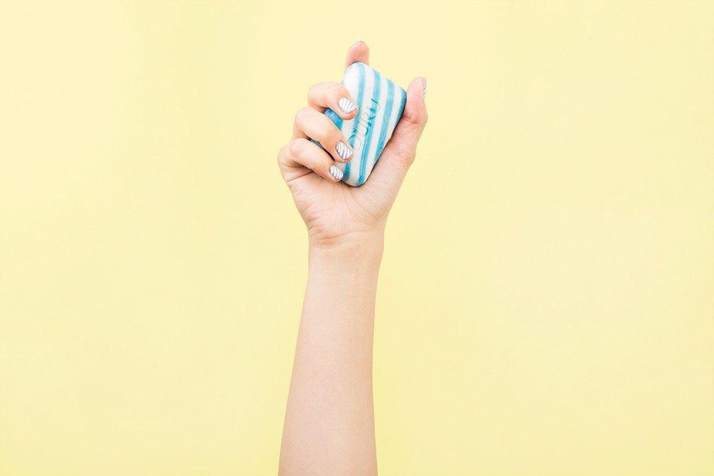 У всем знакомого смешного мыла Duru отличное сочетание оттенков и простой для повторения рисунок.. Изображение № 1.