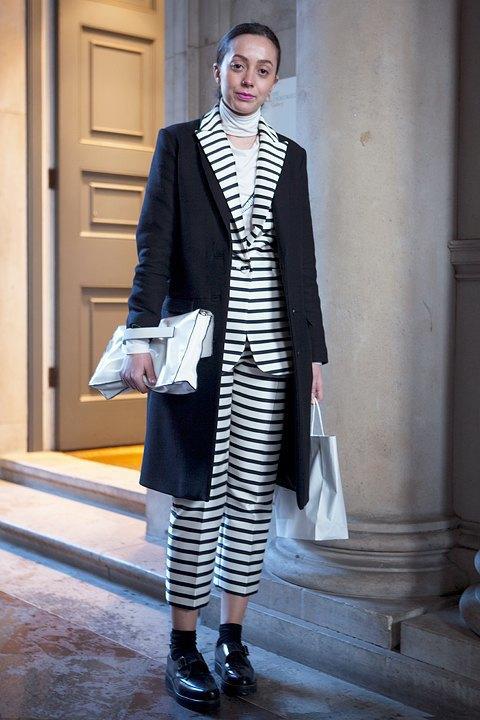 Стритстайл:  Что носят гости  London Fashion Week. Изображение № 2.