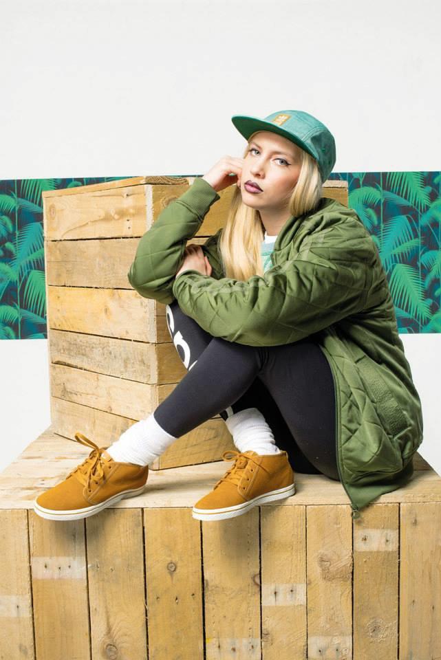 Новый лукбук Adidas Originals — в стиле вогинг. Изображение № 5.
