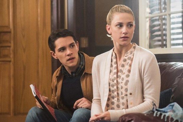 Сериал «Ривердэйл»: Подростковая драма в декорациях «Твин Пикса». Изображение № 5.