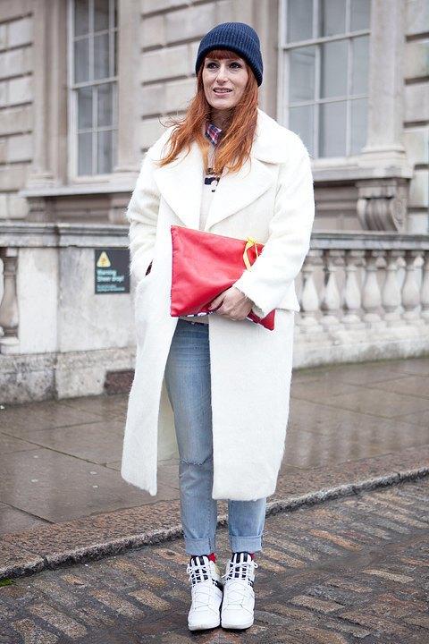 Стритстайл:  Что носят гости London Fashion Week. Изображение № 6.