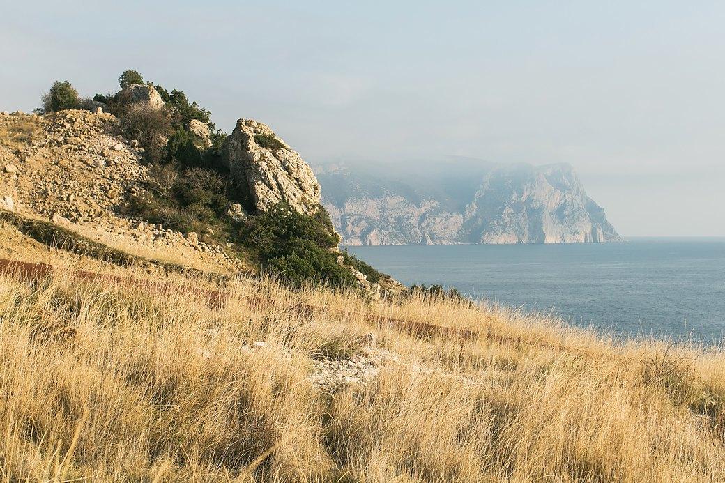 Две недели дикарём:  Как я уехала в Крым с палаткой совсем одна. Изображение № 1.