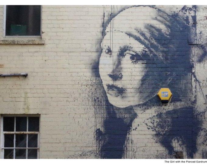 В новой работе Бэнкси переосмыслил «Девушку с жемчужной сережкой». Изображение № 2.