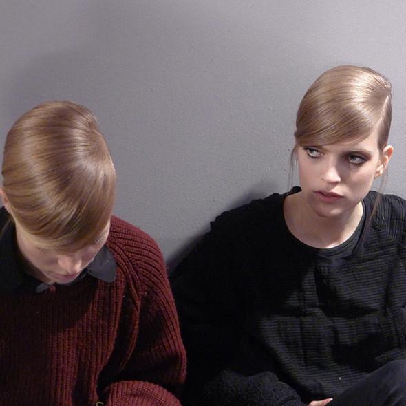 Milan Fashion Week: бэкстейдж Alberta Ferretti. Изображение № 22.