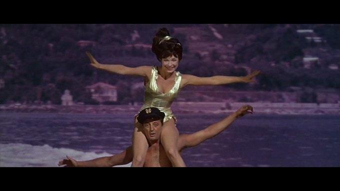 Что можно узнать о стиле  из комедии 60-х  «Что за путь!». Изображение № 23.