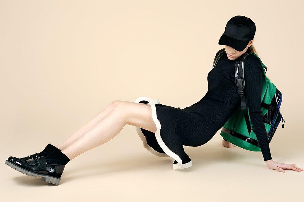Вязаный тотал-лук:  Одеться в трикотаж  с ног до головы. Изображение № 2.