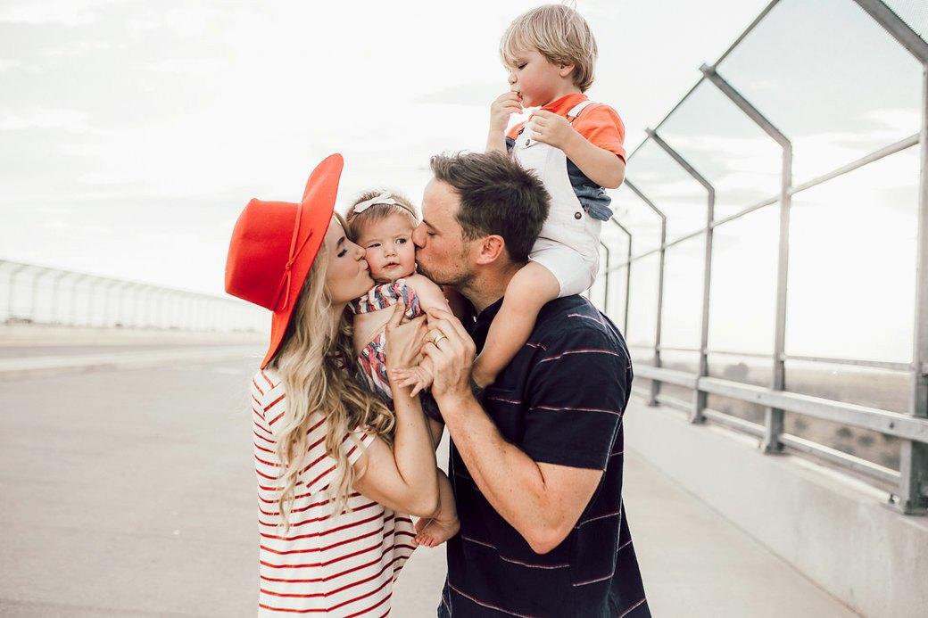 Мама, папа, я:  Как нам продают  образ идеальной семьи. Изображение № 2.