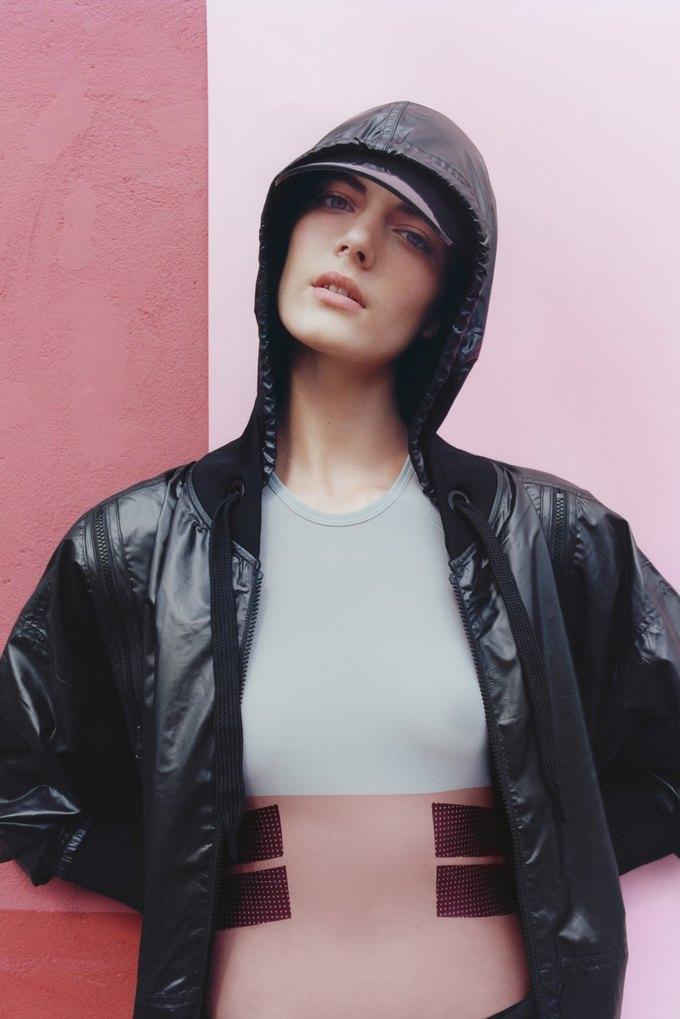Стелла Маккартни показала новую коллекцию для Adidas. Изображение № 1.