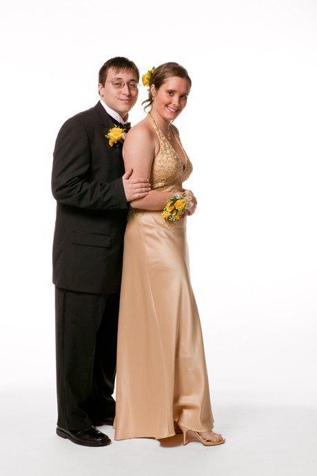 «Выпускные пары»:  Нарядные и неловкие. Изображение № 20.