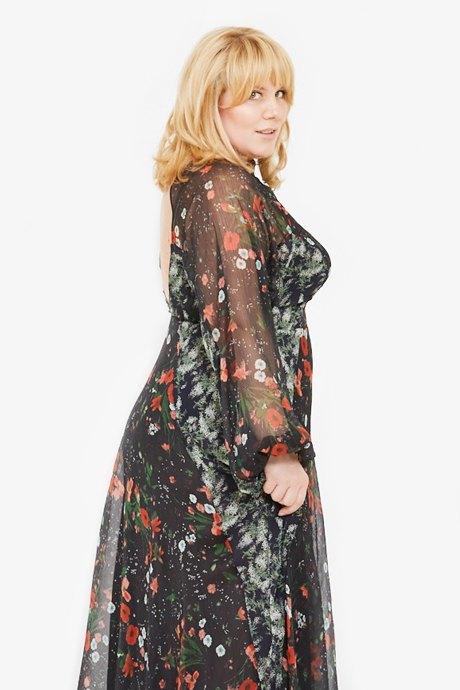 Директор по маркетингу «Эконика» Ирина Зуева о любимых нарядах. Изображение № 13.