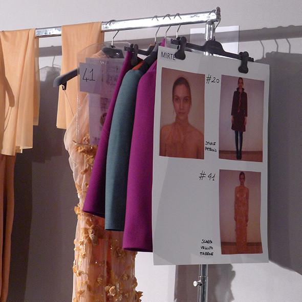 Milan Fashion Week: бэкстейдж Alberta Ferretti. Изображение № 36.