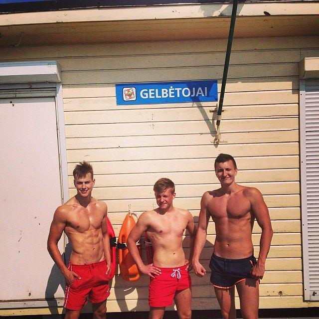 Горячие спасатели  в Instagram. Изображение № 23.