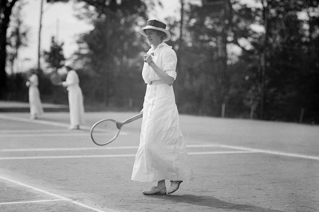 «Костюм женщины»: Почему спортсменки до сих пор носят неудобную одежду. Изображение № 2.