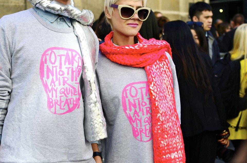 Парень в камуфляже, девушка-Микки-Маус и другие гости Paris Fashion Week. Изображение № 34.