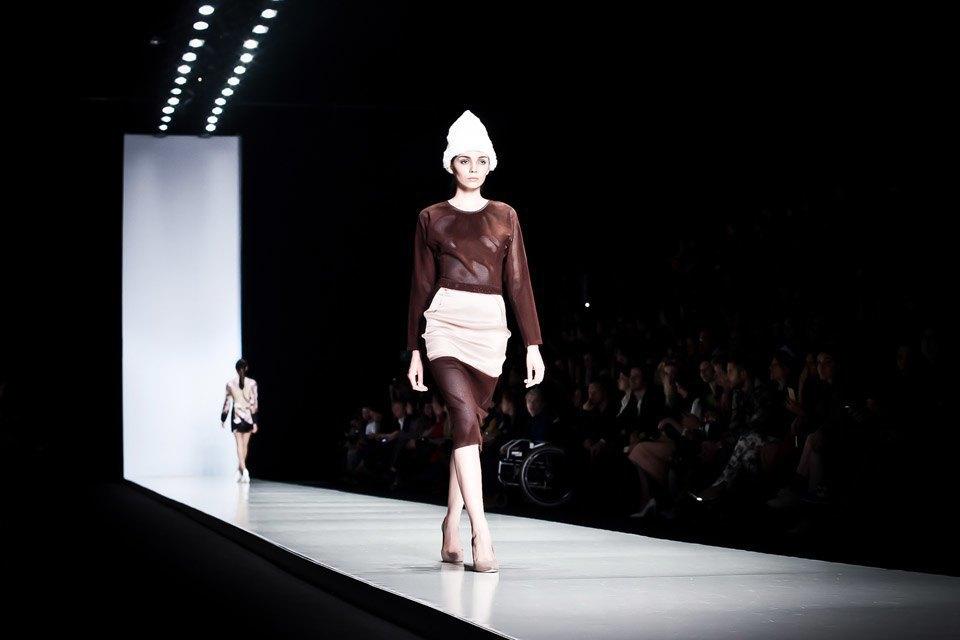 Репортаж: Летние платья  и меховые шапки Ruban FW13. Изображение № 25.