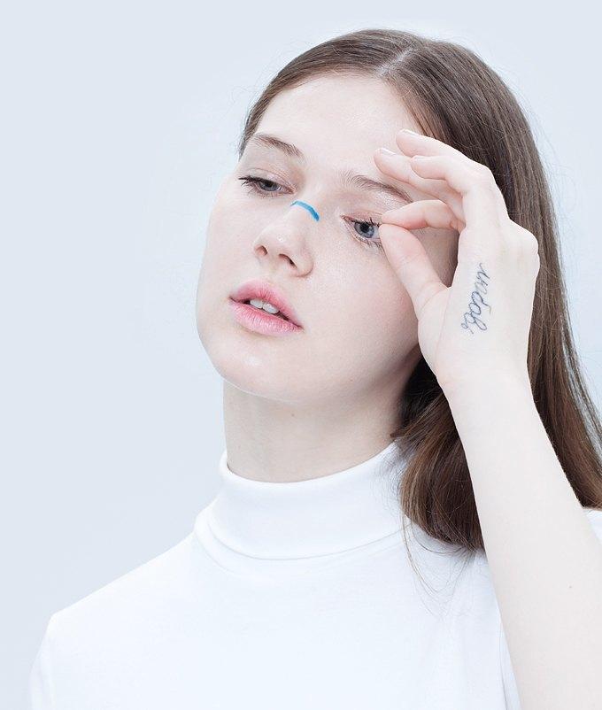 Эксперименты  с макияжем: Графичные акценты на лице. Изображение № 5.