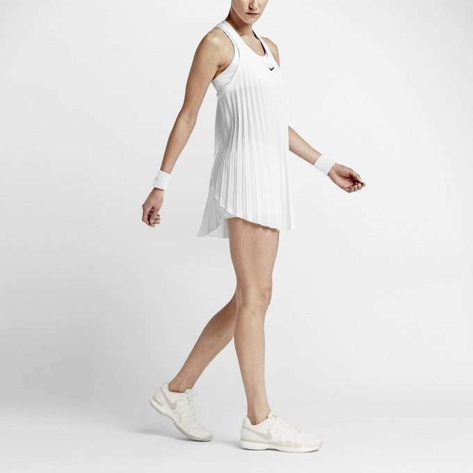 Теннисистки пожаловались на слишком короткие платья для Wimbledon. Изображение № 1.