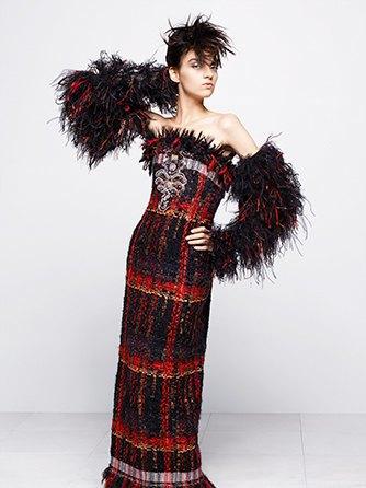 На показе Chanel Haute Couture были шлепанцы  и беременная модель. Изображение № 4.