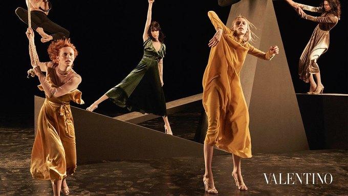 Valentino опубликовали рекламную кампанию, вдохновлённую балетом. Изображение № 6.