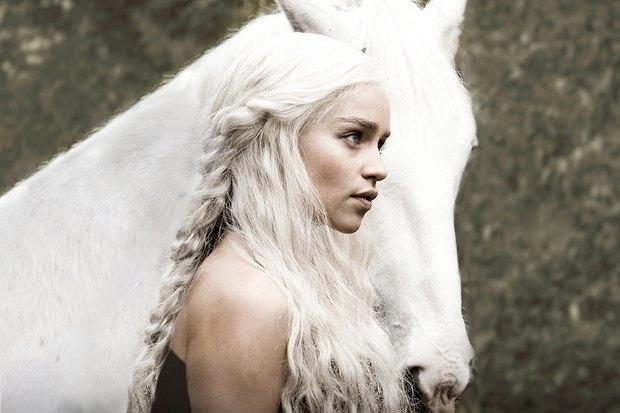 Эмилия Кларк в сериале «Игра престолов». Изображение № 1.