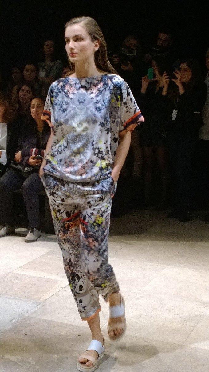 Прямой репортаж  с Paris Fashion Week:  День 8. Изображение № 9.