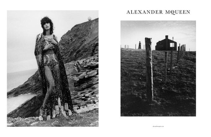 Alexander McQueen выпустили готичную рекламную кампанию. Изображение № 1.