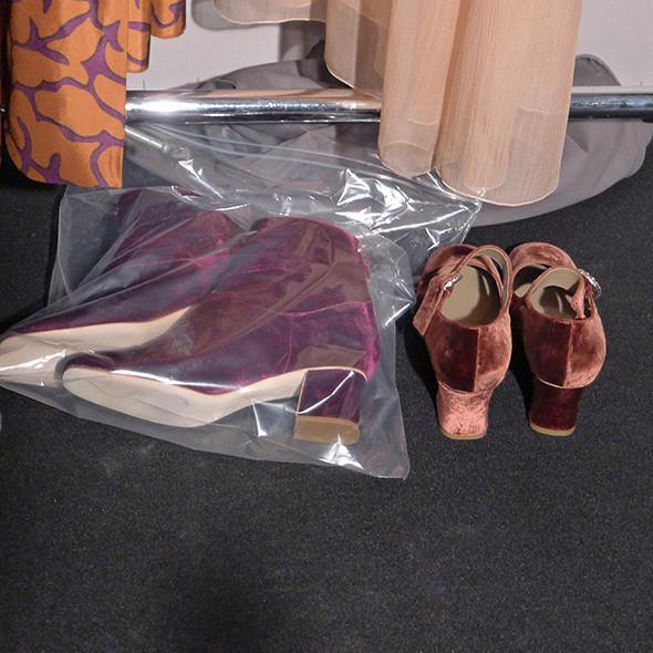 Milan Fashion Week: бэкстейдж Alberta Ferretti. Изображение № 47.