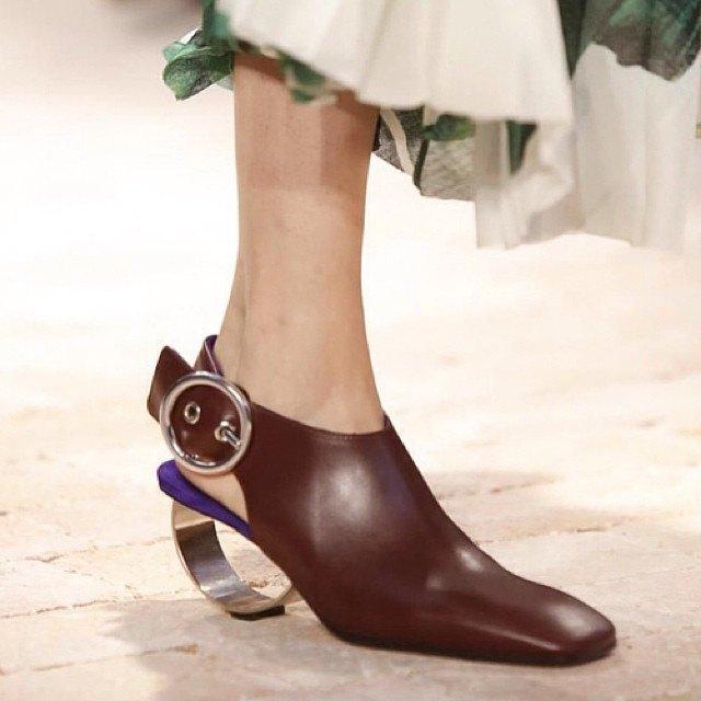 Прямой репортаж  с Paris Fashion Week:  День 6. Изображение № 28.