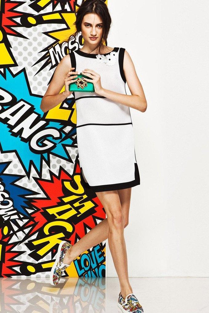 Яркие принты и костюмы в лукбуке Love Moschino. Изображение № 4.