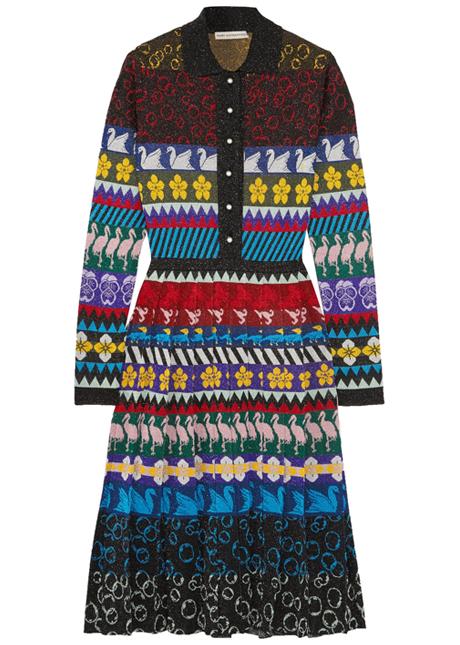Тёплые платья на осень: 11 вариантов от простых до самых роскошных. Изображение № 5.