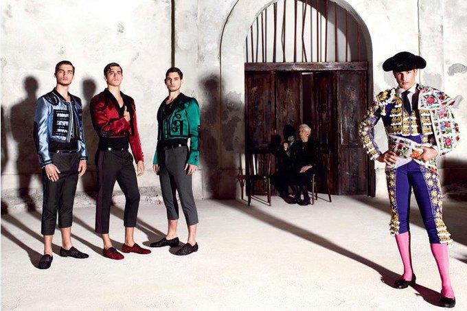 Бабушки и тореадор  в новой рекламе  Dolce & Gabbana. Изображение № 4.