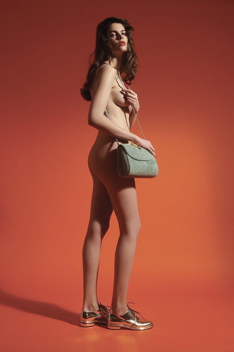 Amélie Pichard:  Сказочные туфли  и королевские сумки. Изображение № 2.