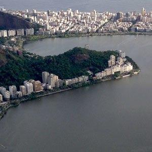 В Рио с друзьями: кашаса, фавелы,  футбол и сериалы. Изображение № 4.