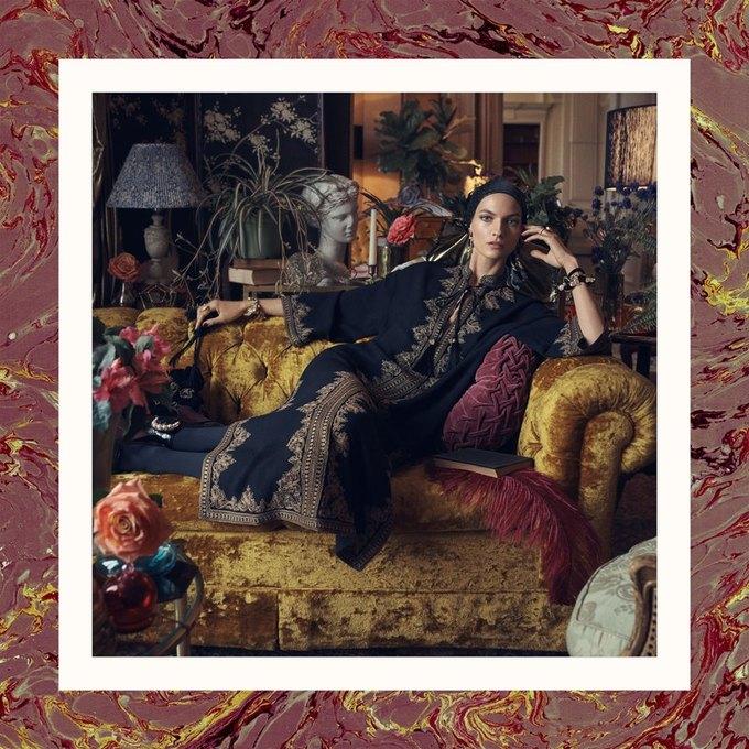 Много золота и красивые интерьеры в осенне-зимней кампании Zara. Изображение № 5.