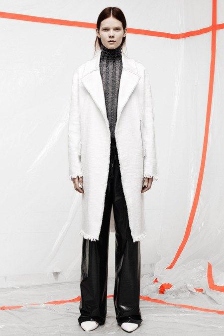 Кожаные толстовки и брюки в коллекции T by Alexander Wang. Изображение № 11.